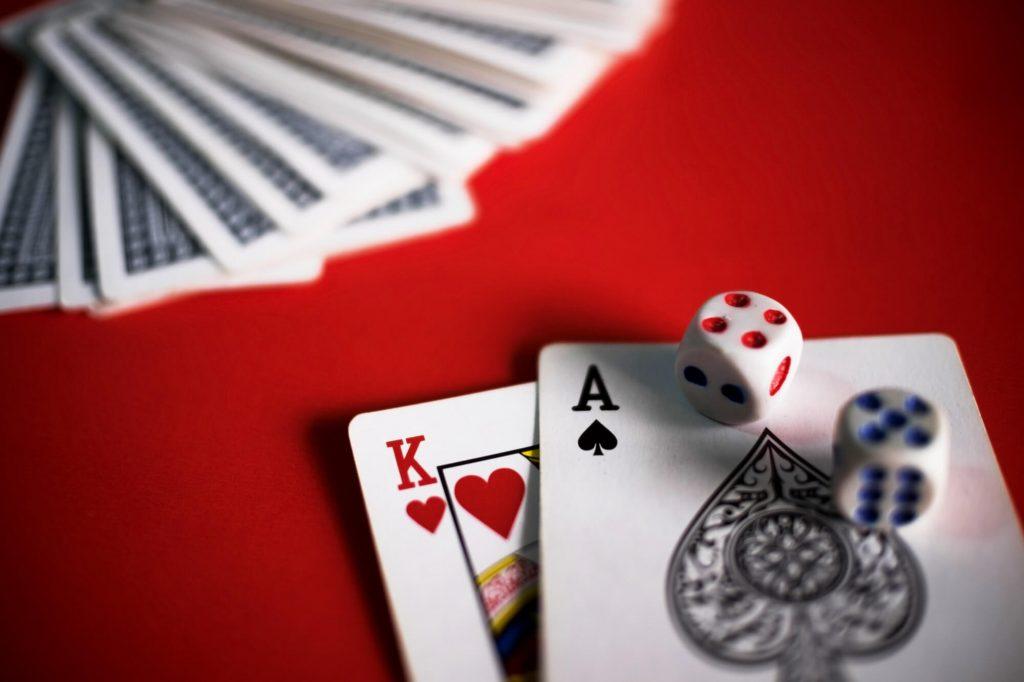 Ota Blackjack-pelin perusteet haltuun